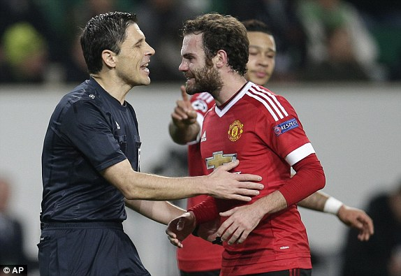 1449607937011_lc_galleryImage_Manchester_United_s_Juan_