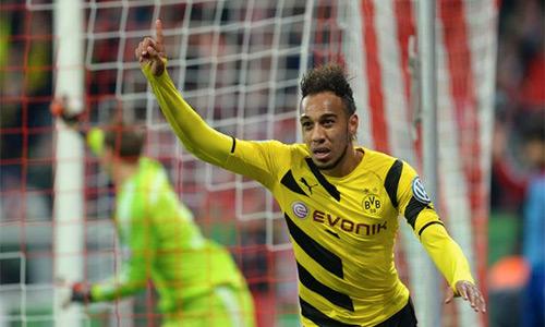 Aubameyang ghi 18 bàn cho Dortmund trong 17 vòng đầu Bundesliga mùa này. Ảnh: AFP.