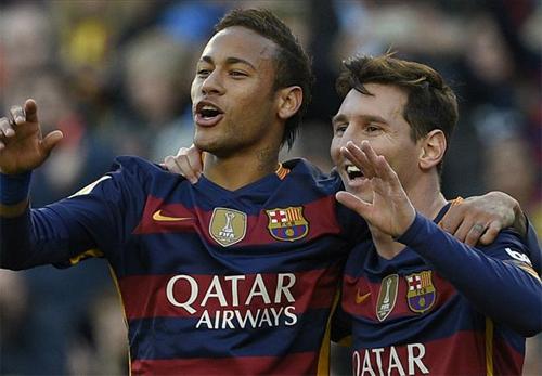 Messi (phải) đạt phong độ cao trong những trận đầu năm mới. Ảnh: Reuters