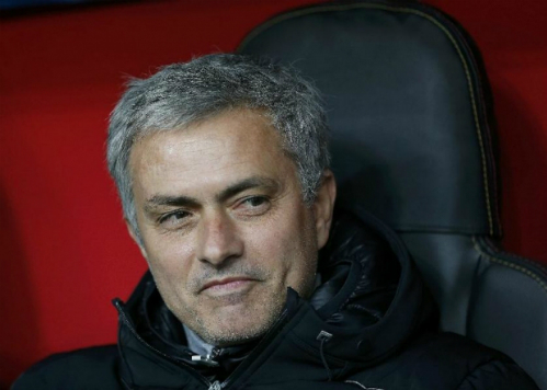 Mourinho luôn mang về danh hiệu ở bất cứ đội bóng nào đi qua nhưng luôn kèm theo việc mua sắm mạnh tay trên sàn chuyển nhượng. Ảnh: Reuters.