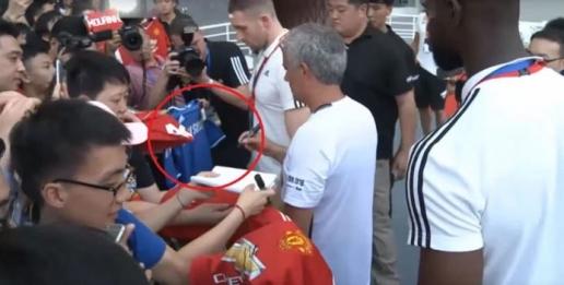 Mourinho đã biến mất trong lòng người hâm mộ Chelsea