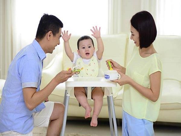 Những lưu ý cơ bản mẹ cần biết khi cho bé ăn dặm