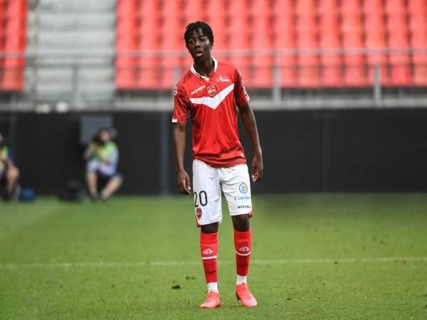 Bóng đá Anh chiều 31/3: Arsenal nhắm Ismael Doukoure