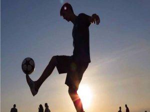 Kỹ thuật bóng đá cơ bản người mới chơi cần nắm vững